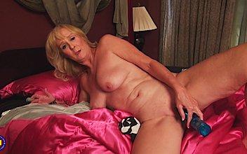 Porn Clip Rubbing big tits tube videos