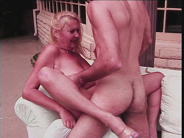 Blonde Gilf Pounded Outdoors By Girls Download Porn -9480