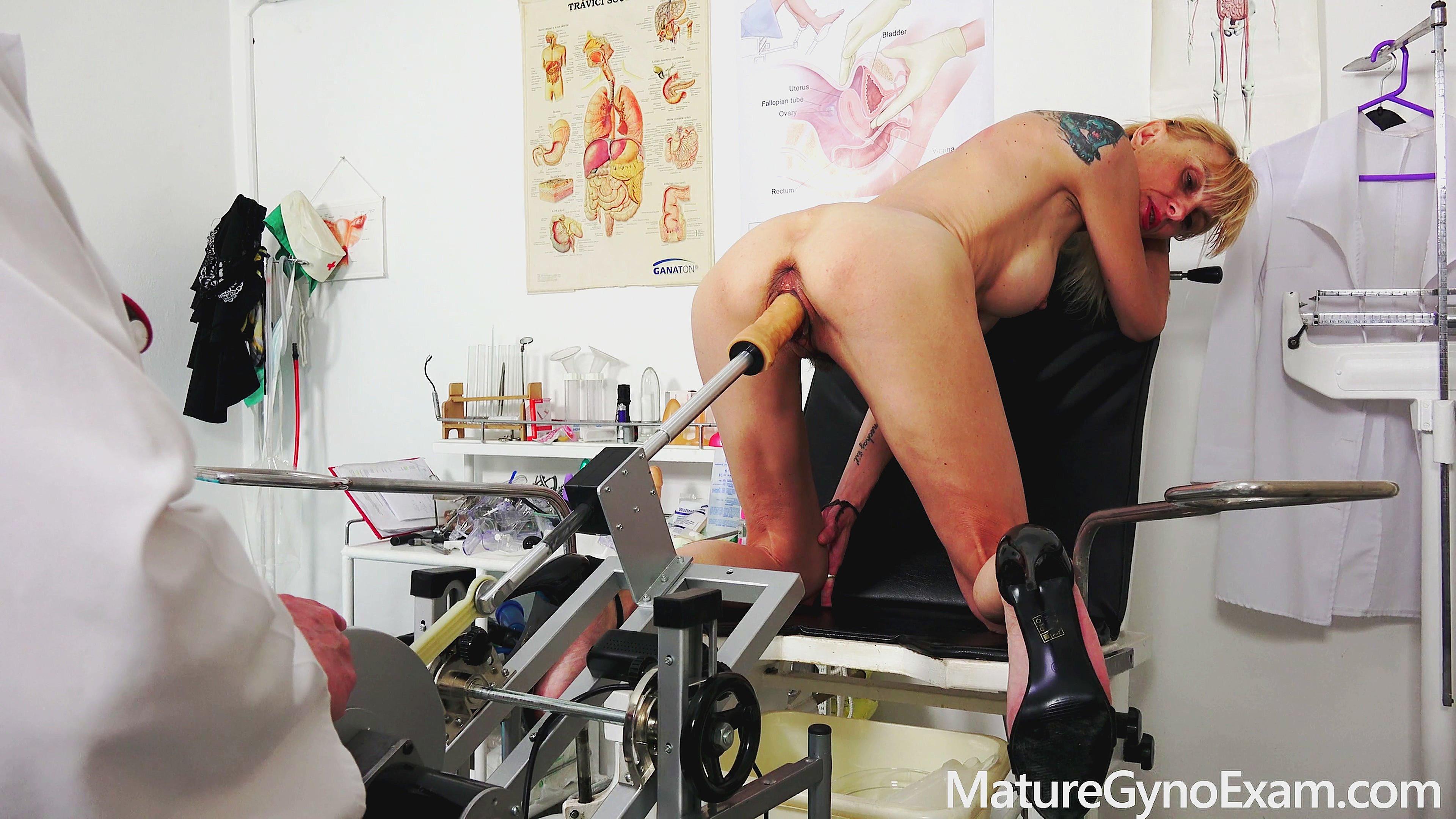 Sexy Mature Woman Kinky Gyno Exam  Fuckmachine Orgasm In -4070