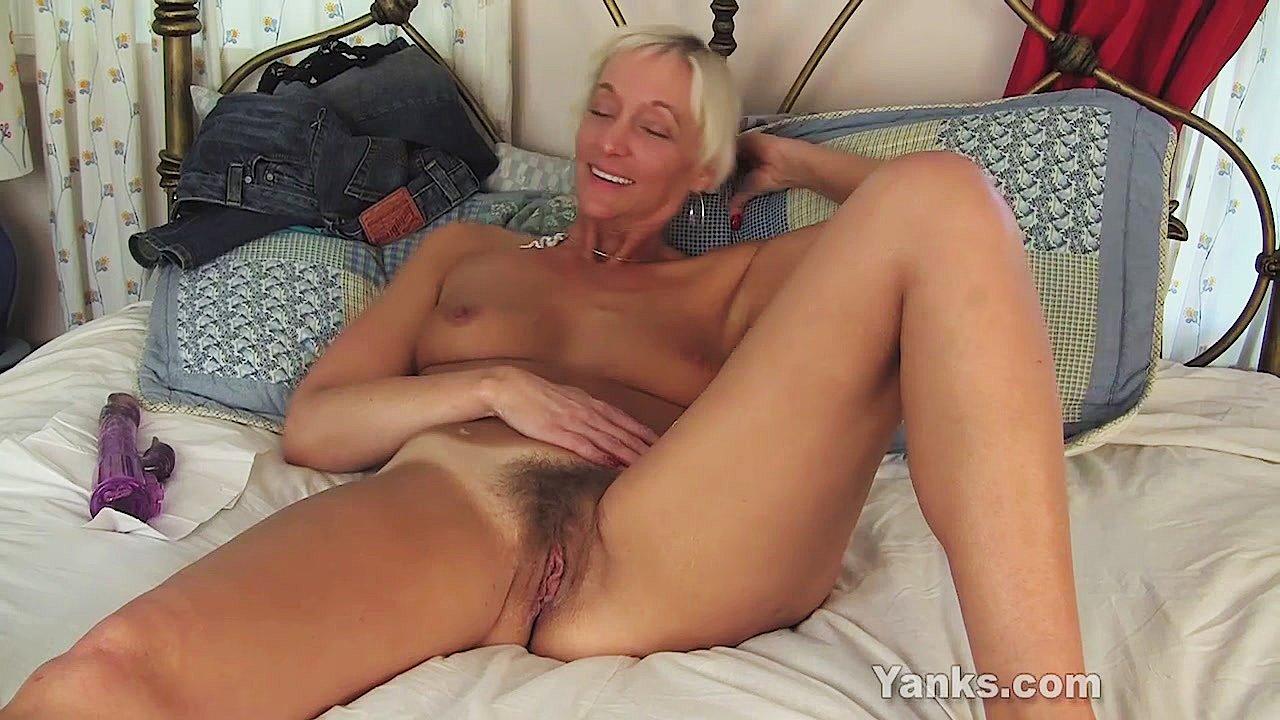 Barbie Lynn Porno yanks granny barbie lynn masturbatingyanks | xhamster