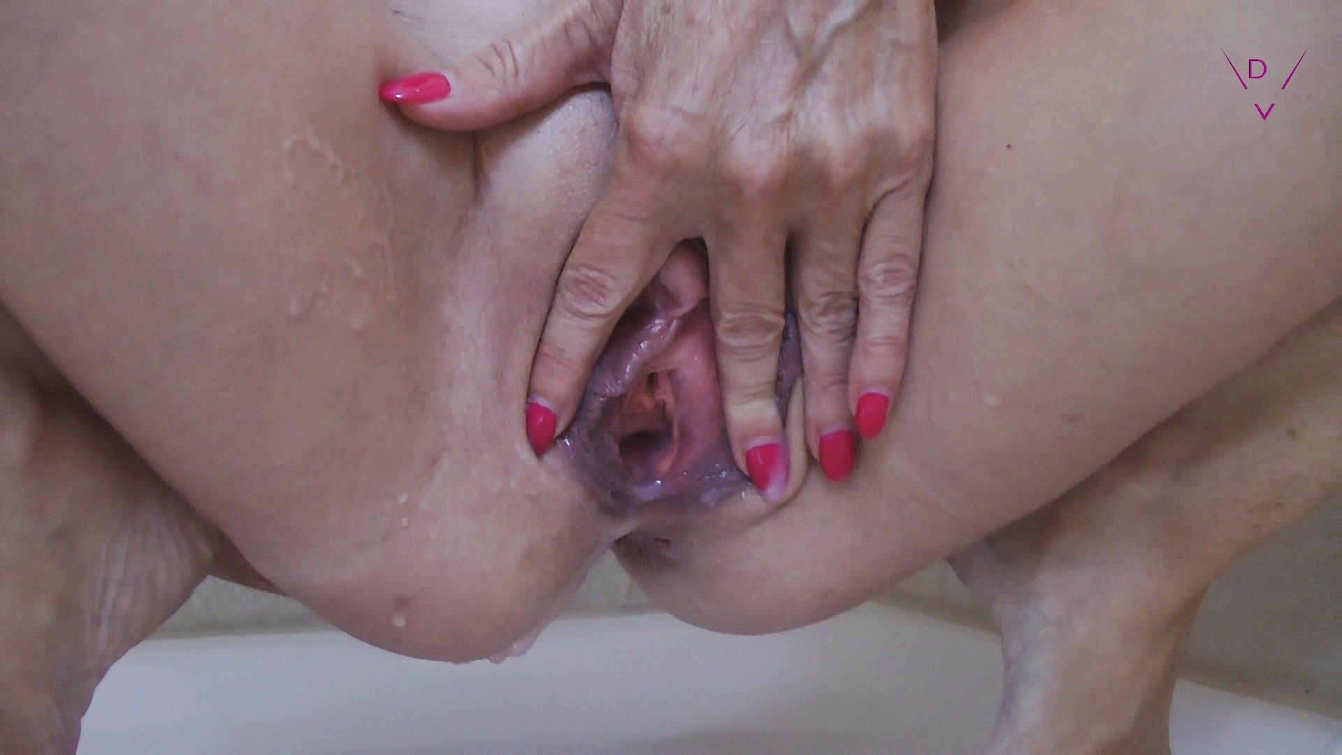 Dirty Tina Black