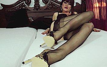 Roni Paradise Foot Job Cum | Sex Pictures Pass