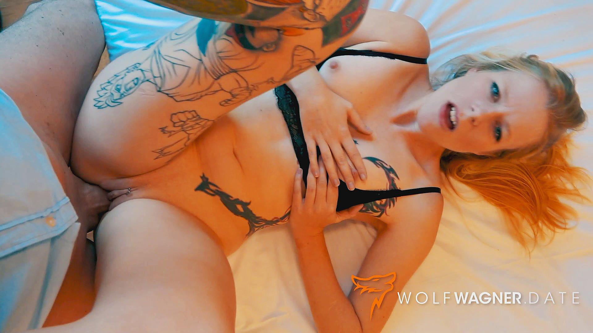 Hot German MILF Harleen Van Hynten lets modern-day Tarzan cum on her big fake tits&excl