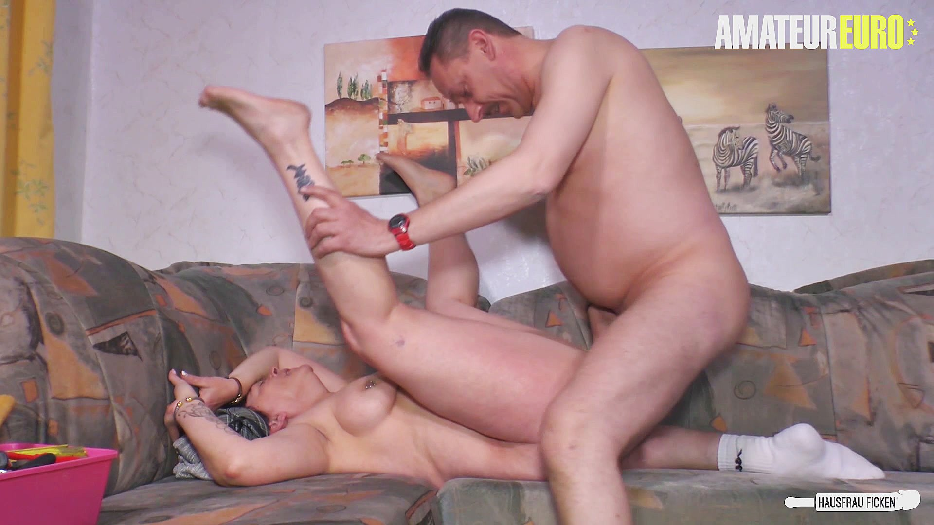 HAUSFRAU FICKEN - Dirty cheating sex session with lusty mature